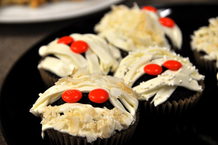 halloween_cupcakes-together